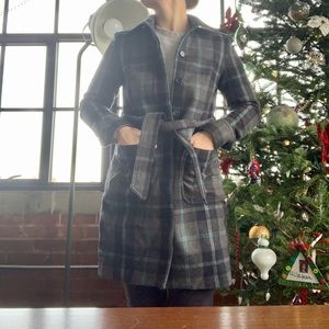 Gap wool, blue/ navy & grey plaid coat. Small.
